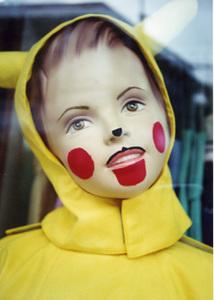 ピカチュウっぽい子供(人形)
